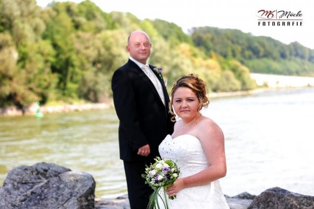 Hochzeitsportrait an der Donau